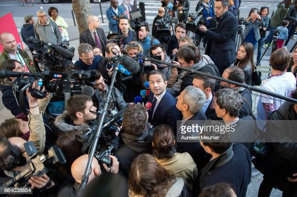 French election Socialist Candidate Benoit Hamon presents to the press the launch of his Universal income caravan on April 3 2017 in Paris France...