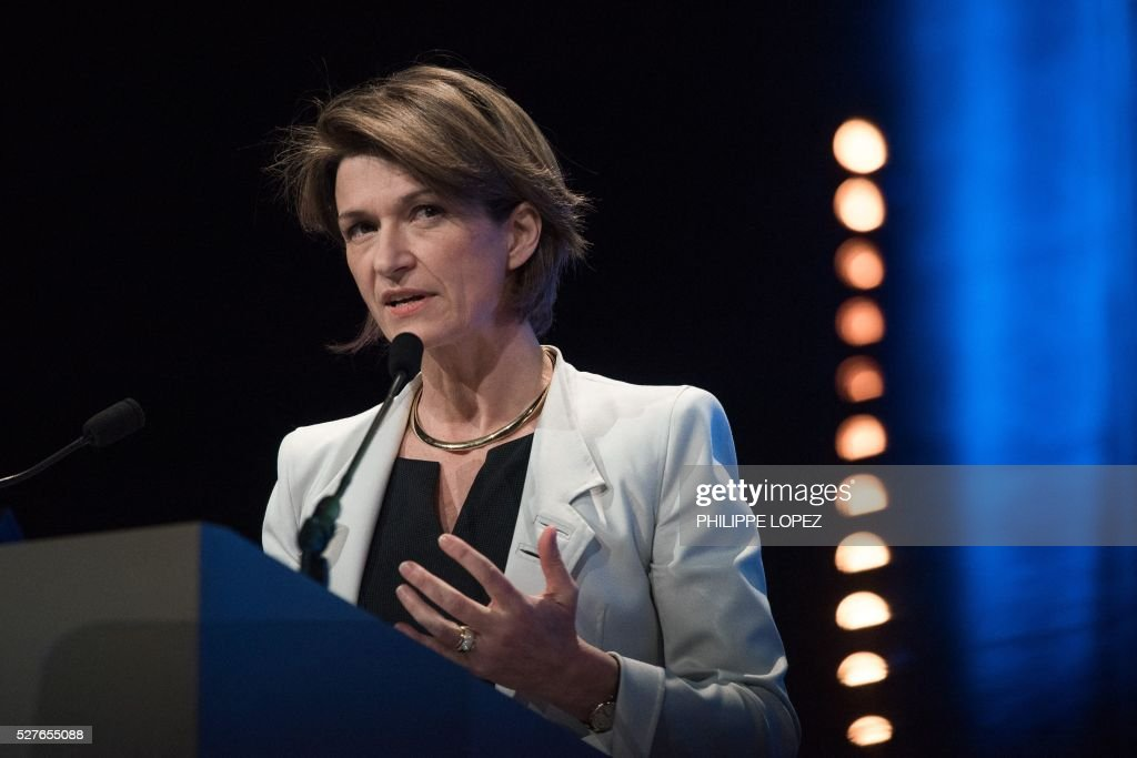 French energy giant ENGIE's new chief executive officer Isabelle Kocher addresses a general assembly of the group in Paris on May 3, 2016. / AFP / PHILIPPE