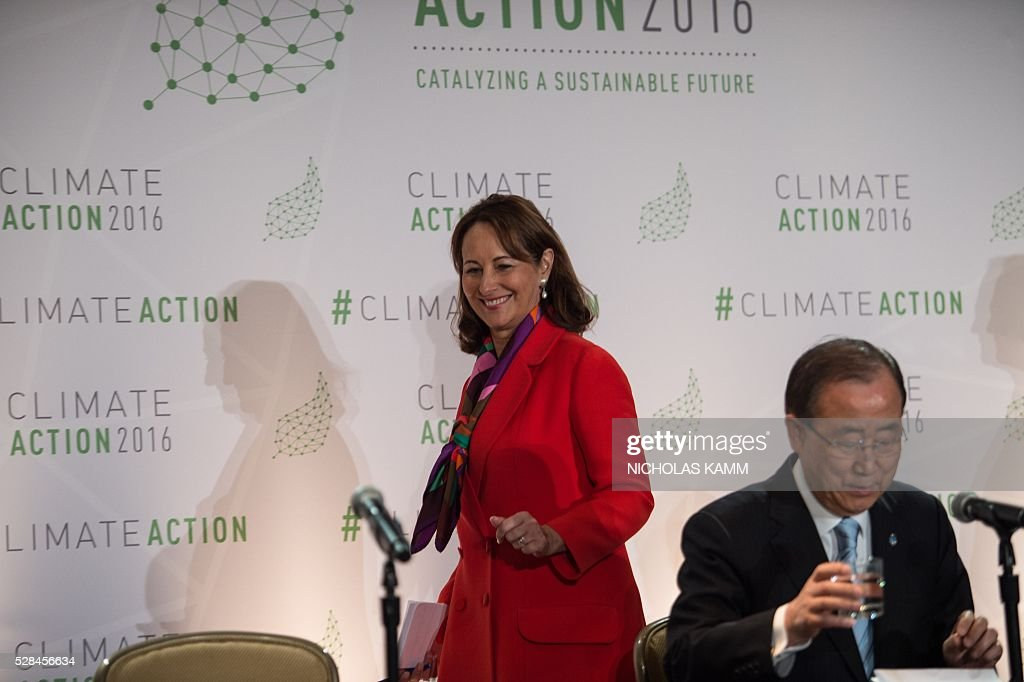 French Environment Minister Segolene Royal arrives at a press conference with United Nations Secretary General Ban Ki-moon at the Climate Action 2016 conference in Washington, DC, on May 5, 2016. / AFP / NICHOLAS