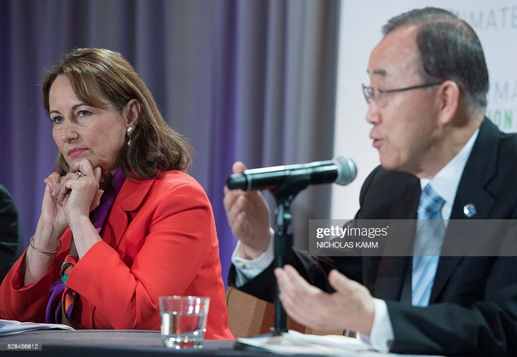 French Environment Minister Segolene Royal (L) listens to United Nations Secretary General Ban Ki-moon speak at a press conference at the Climate Action 2016 conference in Washington, DC, on May 5, 2016. / AFP / NICHOLAS
