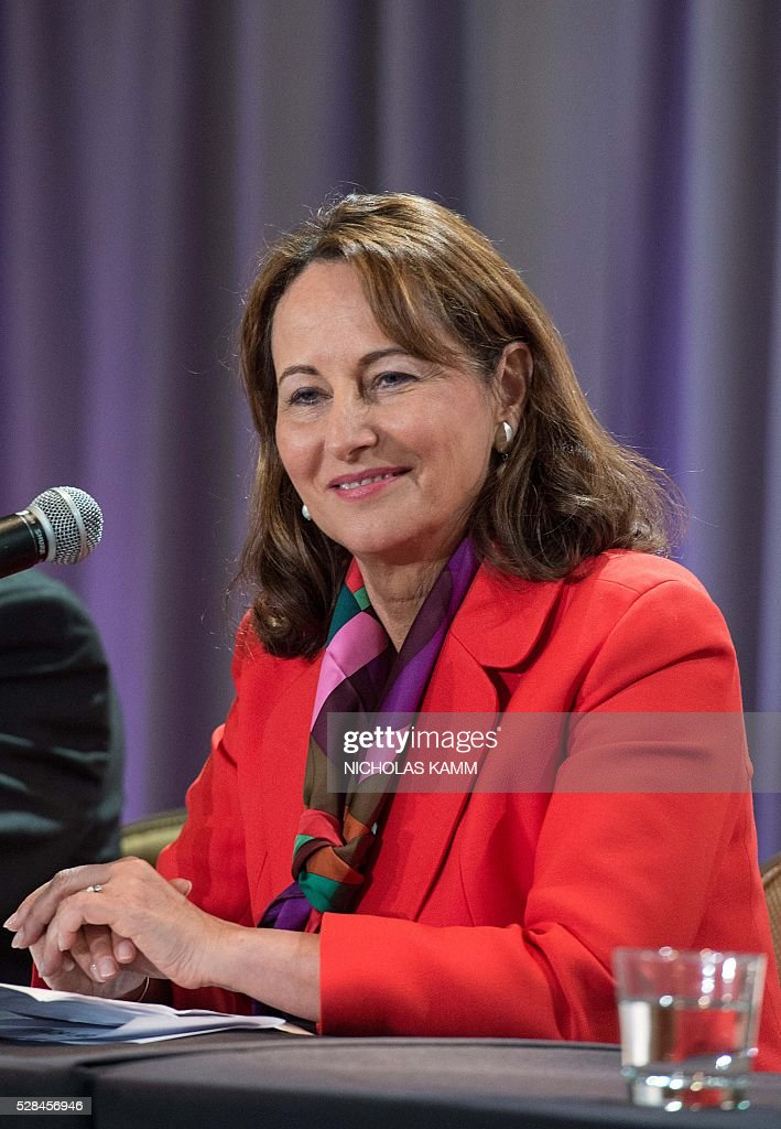 French Environment Minister Segolene Royal takes a question at a press conference at the Climate Action 2016 conference in Washington, DC, on May 5, 2016. / AFP / NICHOLAS