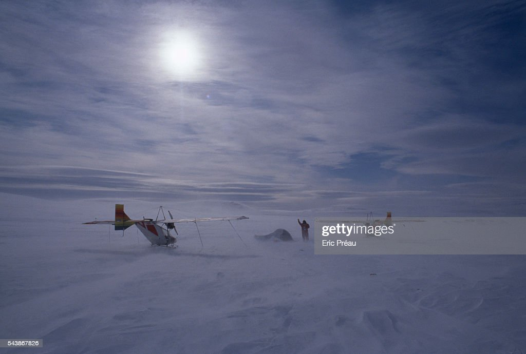 French explorer Hubert de Chevigny and the photographer and journalist Nicolas Hulot during their attempt to reach the North Pole by microlight |...