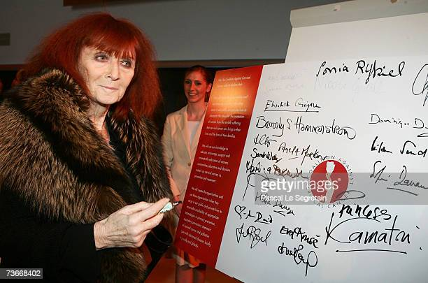 French fashion designer Sonia Rykiel signs a charter during The First Global Summit On Cervical Cancer on March 22 2007 at the UNESCO House in Paris...
