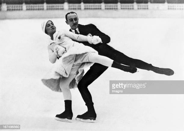 French figure skating pair Andrée Joly / Pierre Brunet wins at the European Championships in pair skating in Paris 18th January 1932 Photograph Das...