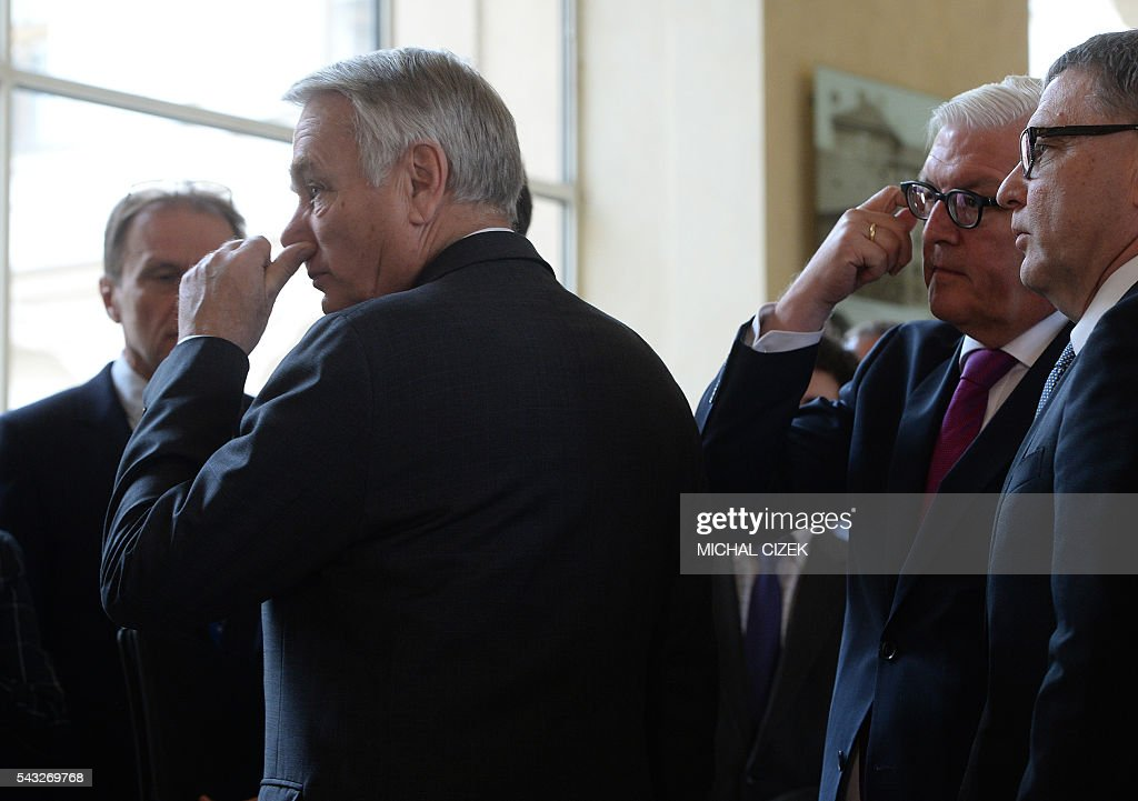French Foreign Minister Jean-Marc Ayrault, Germany Foreign Minister Frank-Walter Steinmeier and Czech Foreign Minister Lubomír Zaoralek look on after a joint press conference of V4 Visegrad Group Foreign Ministers plus German and French Foreign Ministers meeting after Brexit's referendum on June 27, 2016, in Prague / AFP / Michal Cizek