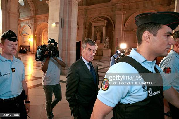 TOPSHOT French former budget minister Jerome Cahuzac arrives at the Paris courthouse on September 14 2016 for his tax fraud trial / AFP / GEOFFROY...