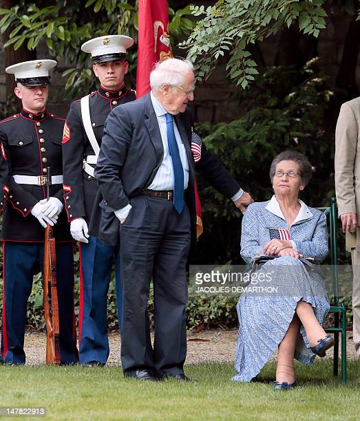 French former minister and former head of European parliament Simone Weil and her husband Antoine Weil attend on July 4 a ceremony for the July 4th...