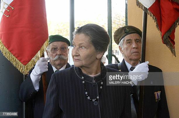 French former minister Simone Veil arrives at Parc Imperial school 16 October 2007 in Nice to attend a ceremony in memory of her brother and other 10...