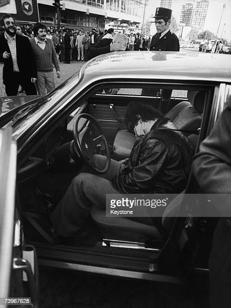French gangster Jacques Mesrine slumped in the front seat of his BMW in Porte de Clignancourt Paris having been shot and killed by the police 2nd...