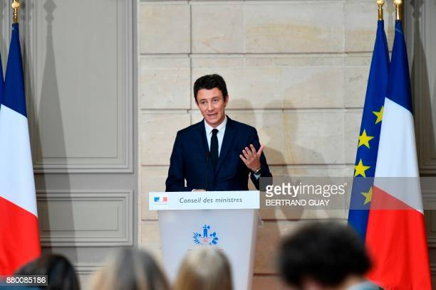 French Government's Spokesperson Benjamin Griveaux briefs the press following the weekly Cabinet meeting on November 27 2017 at the Elysee palace in...