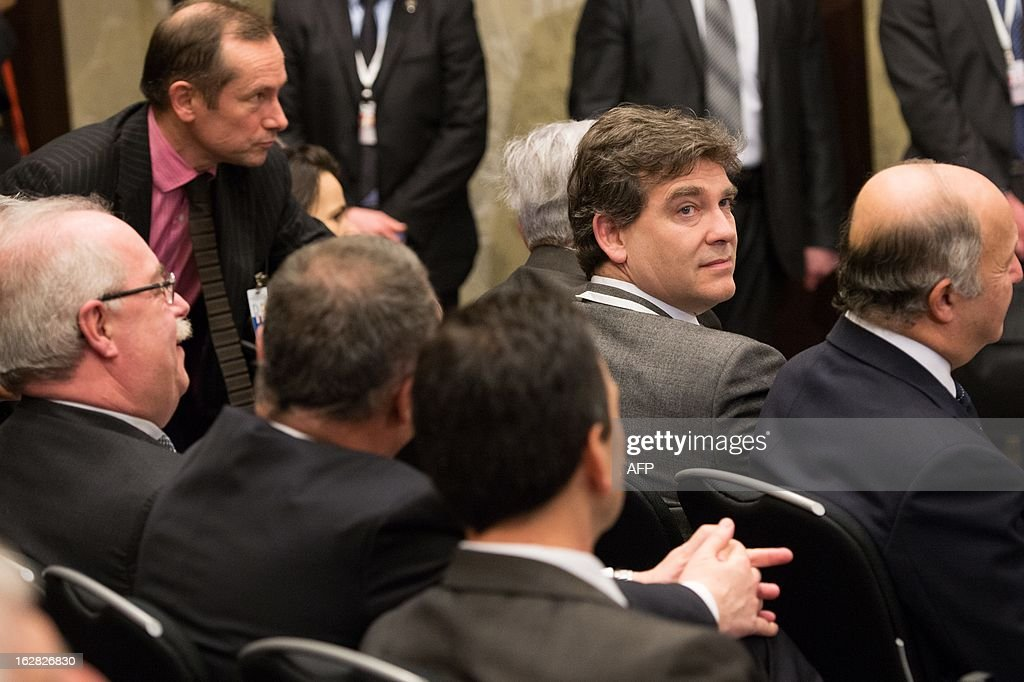 French Industrial Recovery Minister Arnaud Montebourg (2nd R), French Foreign Minister Laurent Fabius (R) and the chief executive officer of French oil group Total, Christophe de Margerie (R), attend on February 28, 2013 an economic forum with Russian and French businessmen before a meeting with Russian President Vladimir Putin at the Kremlin in Moscow.
