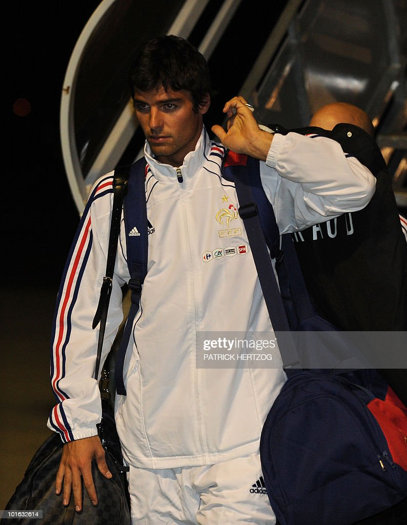 French international football midfielder Yoann Gourcuff arrives with his team at George Airport on June 5, 2010. The FIFA 2010 World Cup begins on June 11, 2010.