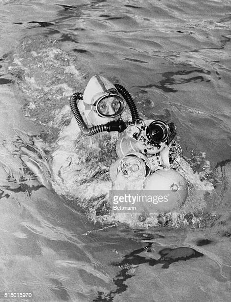 French inventor Dimitri Rebikoff demonstrates his Pegasus underwater vehicle in the Piscine Deligny swimming pool in Paris The Pegasus is propelled...