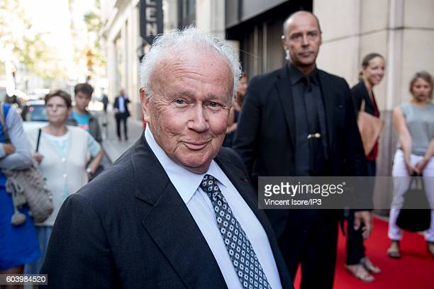 French journalist humorist and presenter of television and radio writer playwright and dialogue cinema Philippe Bouvard attends a press conference of...