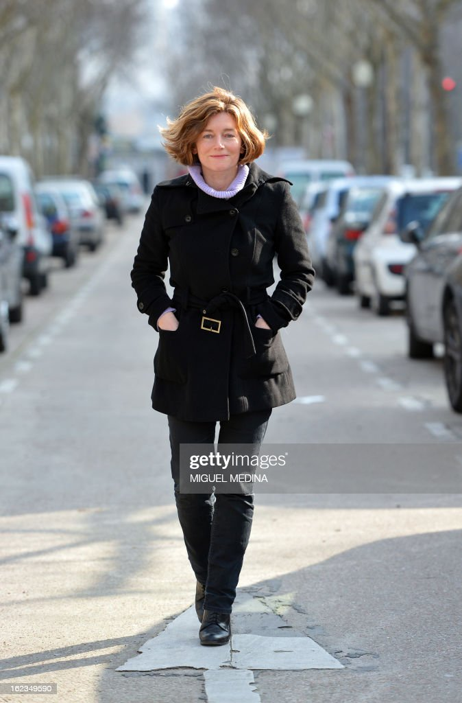 French journalist Natalie Nougayrede poses on February 22, 2013 in Paris. AFP PHOTO / MIGUEL MEDINA