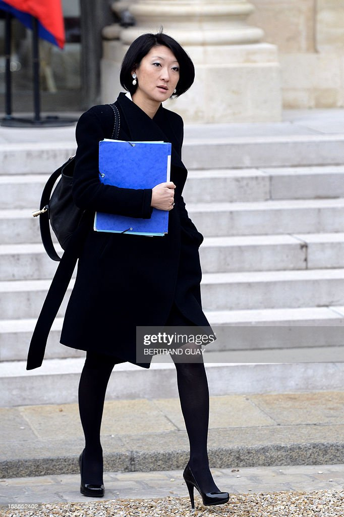 French Junior Minister for SMEs, Innovations and Digital Economy Fleur Pellerin leaves the Elysee presidential Palace after the weekly cabinet meeting, on December 19, 2012 in Paris.