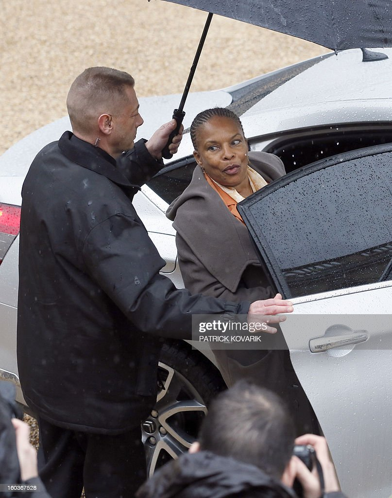 French Justice Minister, Christiane Taubira leaves the Elysee presidential Palace after the weekly cabinet meeting on January 30, 2013 in Paris. AFP PHOTO / PATRICK KOVARIK