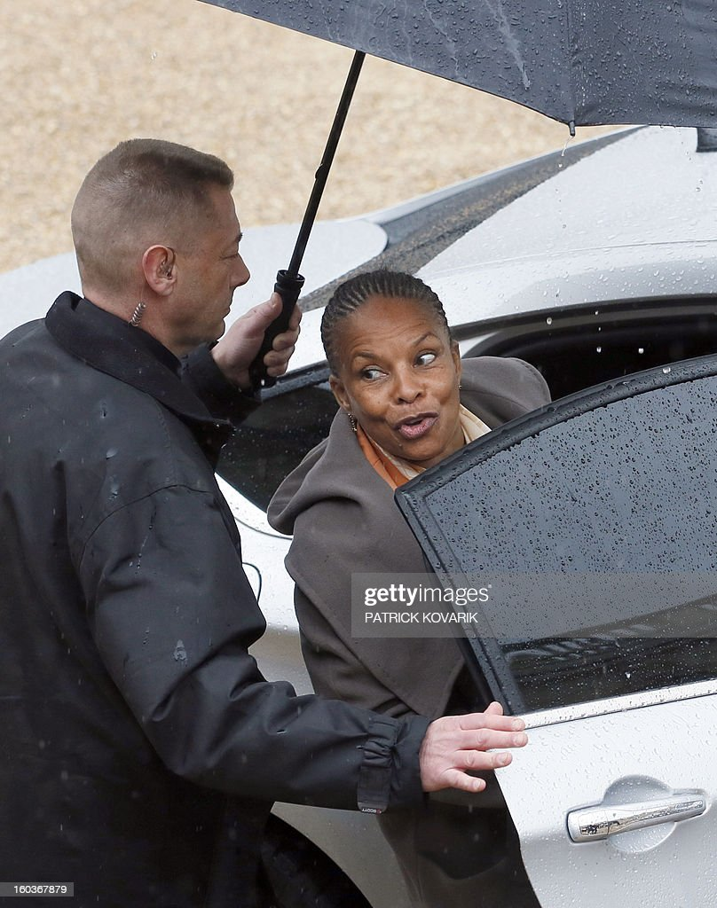 French Justice Minister, Christiane Taubira, leaves the Elysee presidential Palace after the weekly cabinet meeting on January 30, 2013 in Paris. AFP PHOTO / PATRICK KOVARIK