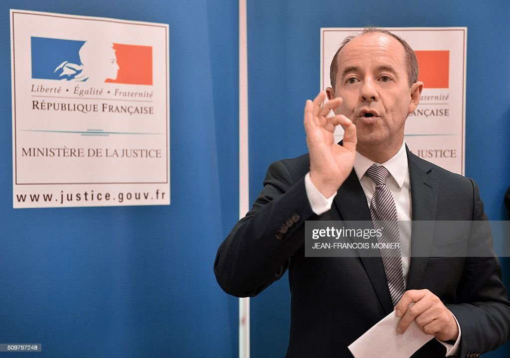 French Justice Minister Jean-Jacques Urvoas speaks during a visit at the Regional Court of Chartres (TGI) on February 12, 2016. / AFP / JEAN-FRANCOIS MONIER