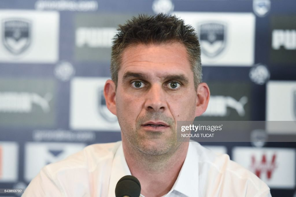 French L1 Bordeaux football club's coach Jocelyn Gourvennec attends a press conference on June 30, 2016 in Le Haillan. / AFP / NICOLAS