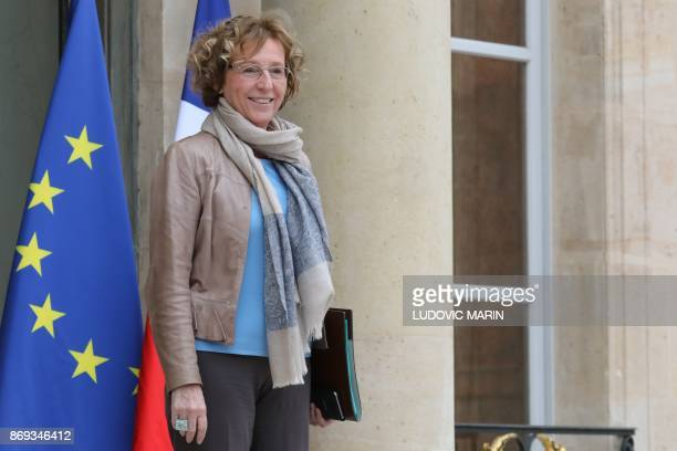 French Labour Minister Muriel Penicaud leaves the Elysee Presidential Palace after the weekly cabinet meeting November 2 2017 in Paris / AFP PHOTO /...