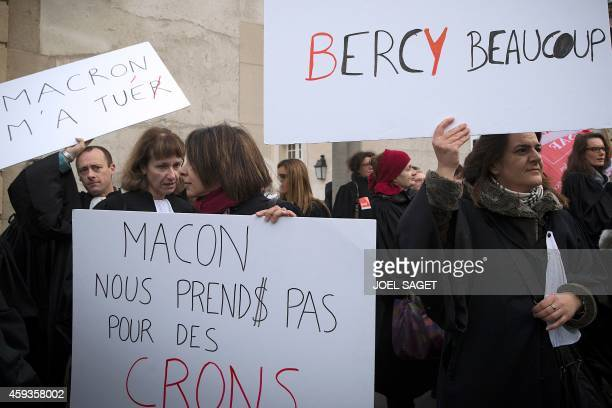 French lawyers protest on November 21 2014 in Versailles against a government reform project which should be presented at a cabinet meeting in...