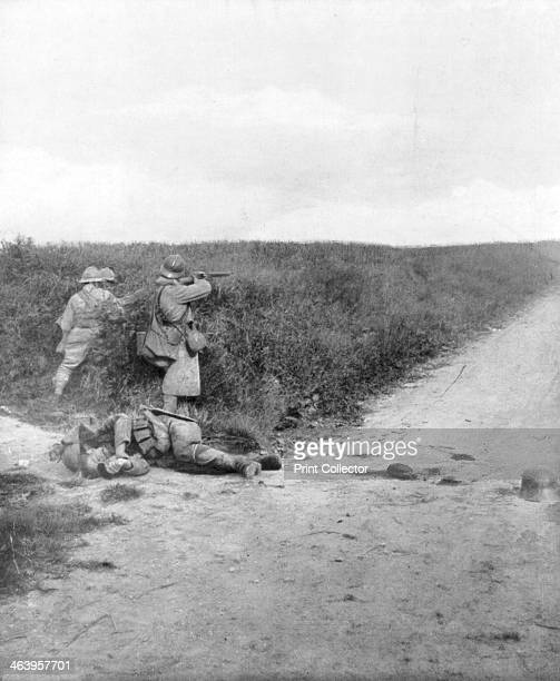 French machine gunners sweeping a road Courcelles southeast of Montdidier France 9 June 1918
