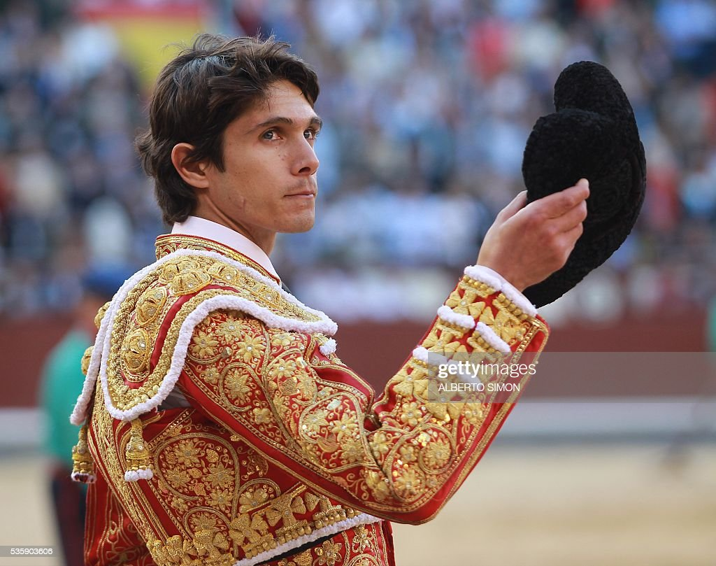 French matador Sebastian Castella looks on during the San Isidro bullfight festival at Las Ventas bullring in Madrid on May 30, 2016. / AFP / ALBERTO