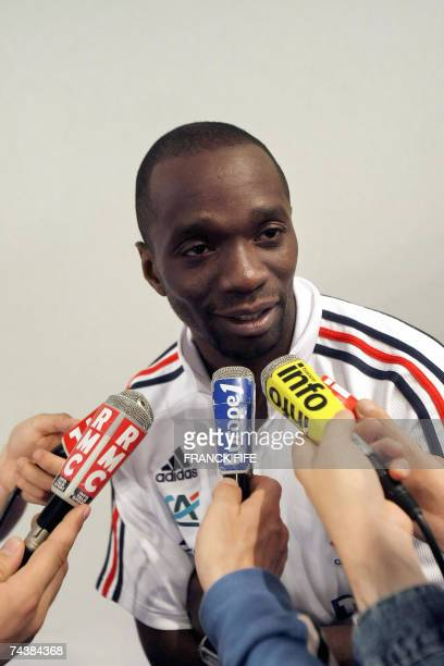 French midfielder Claude Makelele answers to jounalist's questions during a press conference 03 June 2007 in Clairefontaine northern Paris a day...