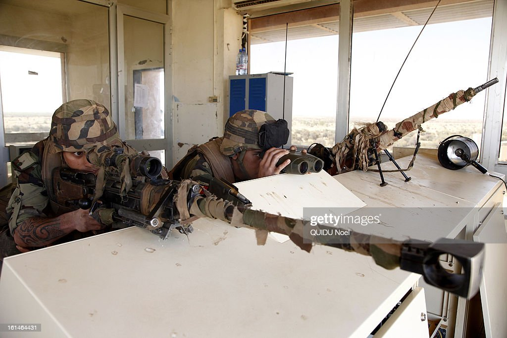 French military intervention in Mali, Serval Operation against islamist , liberation of Timbuktu , elite shooters of the 2nd RIMA at imbuktu airport on January 28, 2013.