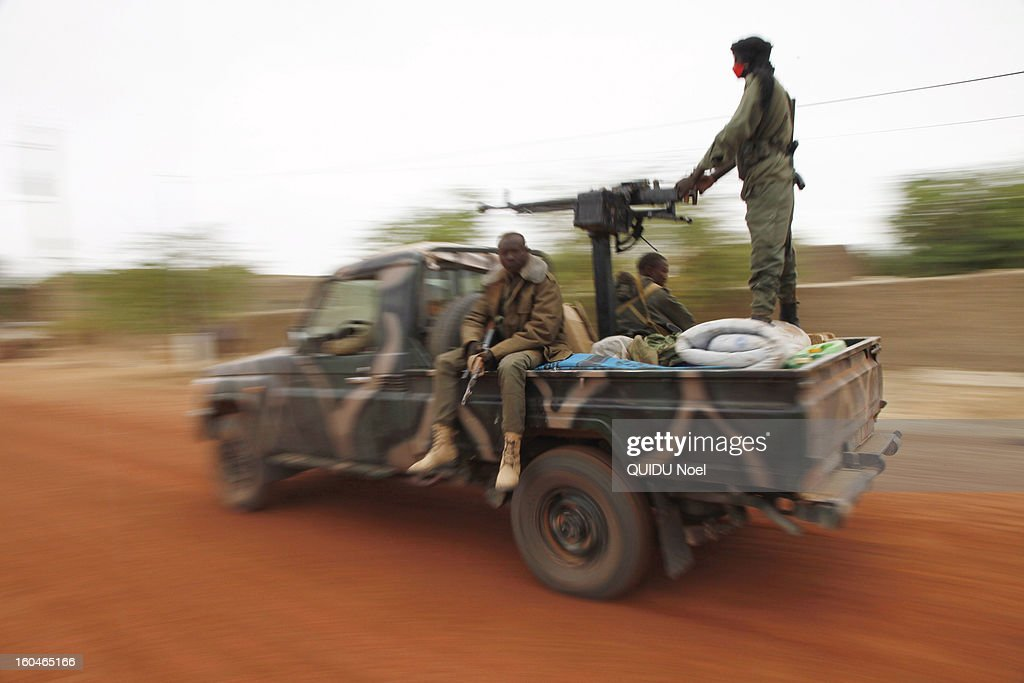 French military intervention in Mali Serval operation against the Islamic jihad, the release of Timbuktu, Malian army in Goundnam 80 km from Timbuktu on January 29, 2013.