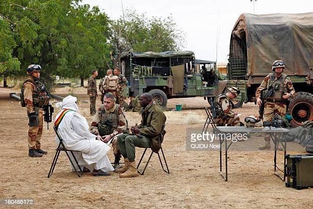 French military intervention in Mali Serval operation against the Islamic jihad French General Barrera and Malian Colonel Sangare with the mayor of...