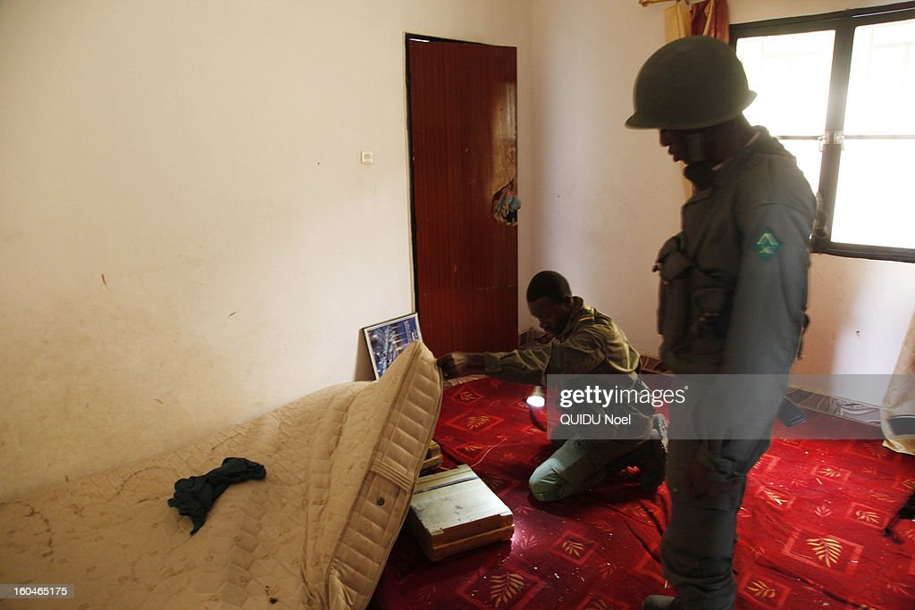 French military intervention in Mali Serval operation against the Islamic jihad, Malian army searched the houses of jihadists ton January 28, 2013.
