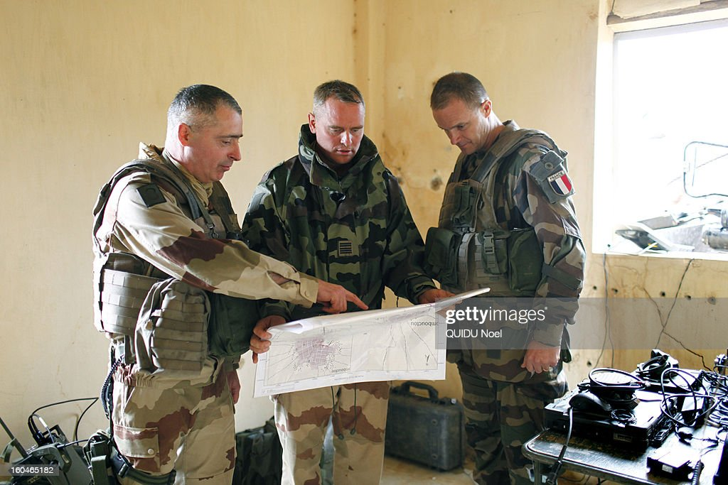 French military intervention in Mali Serval operation against the Islamic jihad, the release of Timbuktu, General Barrera on Goundam airport on January 27, 2013.
