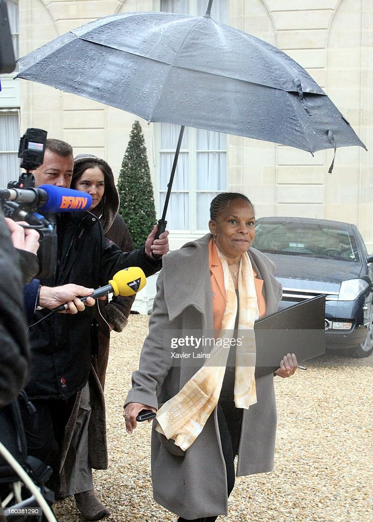French Minister <a gi-track='captionPersonalityLinkClicked' href=/galleries/search?phrase=Christiane+Taubira&family=editorial&specificpeople=3798541 ng-click='$event.stopPropagation()'>Christiane Taubira</a> departure to French Cabinet Meeting at Elysee Palace on January 30, 2013 in Paris, France.