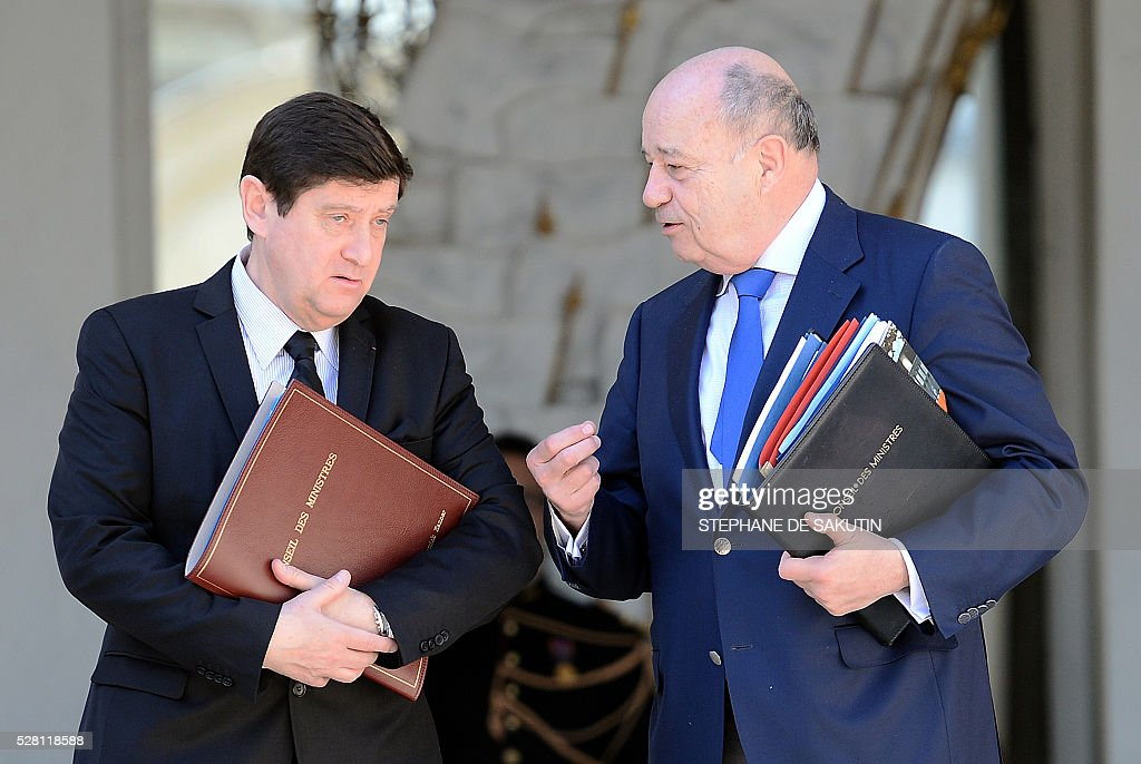 French minister for Cities, Youth and Sport Patrick Kanner (L) and French minister for Town and Country Planning, Rural Affairs and Local Authorities Jean-Michel Baylet leave the Elysee presidential Palace after the weekly cabinet meeting in Paris on May 4, 2016.
