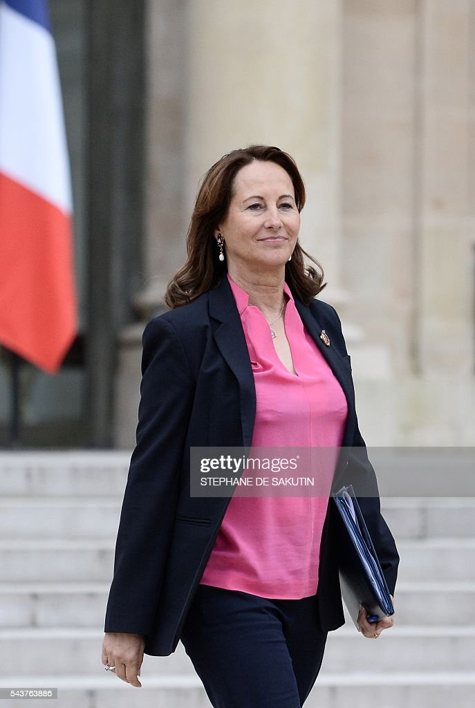 French minister for Ecology, Sustainable Development and Energy Segolene Royal leaves after a weekly cabinet meeting on June 30, 2016 at the Elysee presidential Palace in Paris. / AFP / STEPHANE