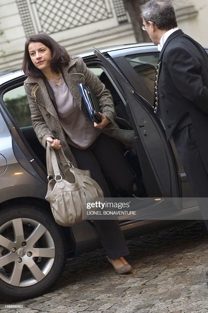 French Minister for Equality of Territories and Housing, Cecile Duflot arrives at the Ministry of Interior to attend a breakfast with ministers on January 3, 2013 in Paris, prior to first cabinet meeting of the year. AFP PHOTO LIONEL BONAVENTURE