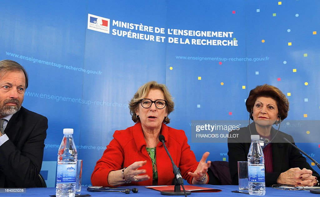 French Minister for Higher Education and Research Genevieve Fioraso (C) and European Union Commissioner for Education, Culture and Youth Androulla Vassiliou, give a press conference on the CERES project in Paris on March 19, 2013.