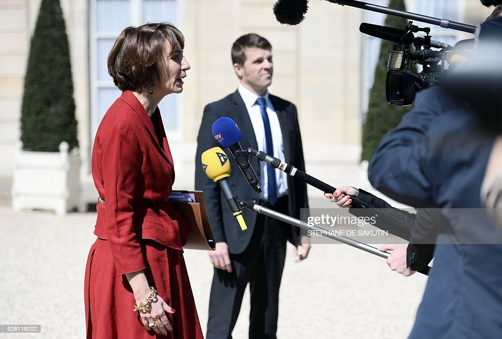 French minister for Social Affairs, Health Marisol Touraine (L) leaves the Elysee presidential Palace after the weekly cabinet meeting in Paris on May 4, 2016 .