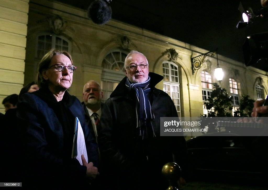 French Minister for State Reform, Decentralisation and Public Administration Marylise Lebranchu (L) and French Claudy Lebreton, head of French departments Assembly (C) speak to journalists as they leave the Hotel Matignon, the Prime Minister official residence, on January 28, 2013, in Paris, after participating in a meeting for the creation of a working committee between French State and departements of France. AFP PHOTO JACQUES DEMARTHON