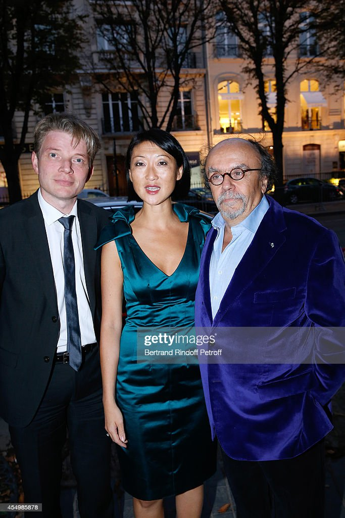French minister of Culture and Communication <a gi-track='captionPersonalityLinkClicked' href=/galleries/search?phrase=Fleur+Pellerin&family=editorial&specificpeople=8784076 ng-click='$event.stopPropagation()'>Fleur Pellerin</a>, her husband Laurent Olleon and Director of the movie Jean-Michel Ribes attend the 'Breves de Comptoir' : movie premiere at Theatre du Rond Point on September 8, 2014 in Paris, France.