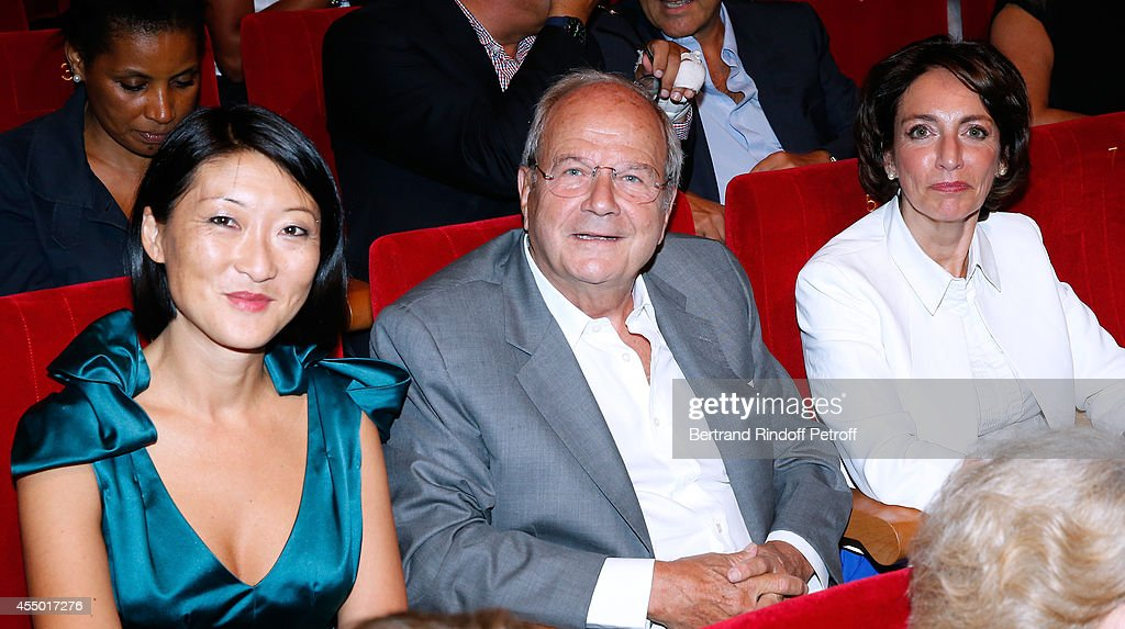 French minister of Culture and Communication <a gi-track='captionPersonalityLinkClicked' href=/galleries/search?phrase=Fleur+Pellerin&family=editorial&specificpeople=8784076 ng-click='$event.stopPropagation()'>Fleur Pellerin</a>, Businessman Marc Ladreit de Lacharriere and Politician <a gi-track='captionPersonalityLinkClicked' href=/galleries/search?phrase=Marylise+Lebranchu&family=editorial&specificpeople=794442 ng-click='$event.stopPropagation()'>Marylise Lebranchu</a> attend the 'Breves de Comptoir' : movie premiere at Theatre du Rond Point on September 8, 2014 in Paris, France.