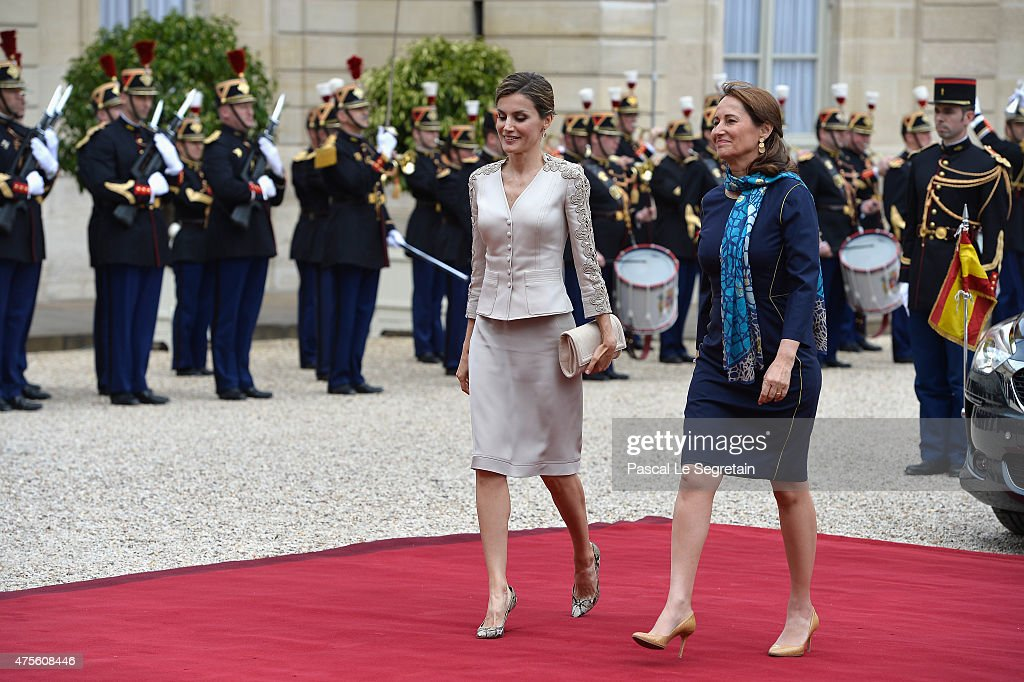 French Minister of Ecology Segolene Royal and Queen Letizia of Spain arrive in the courtyard of the Elysee Palace during day 1 of the Spanish Royal...