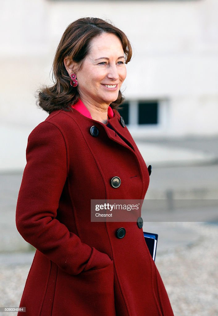 French Minister of Ecology, Sustainable Development and Energy <a gi-track='captionPersonalityLinkClicked' href=/galleries/search?phrase=Segolene+Royal&family=editorial&specificpeople=546504 ng-click='$event.stopPropagation()'>Segolene Royal</a> leaves after the weekly cabinet meeting at the Elysee Palace on February 10, 2016 in Paris, France. This is the last cabinet meeting before the next ministerial reshuffle.