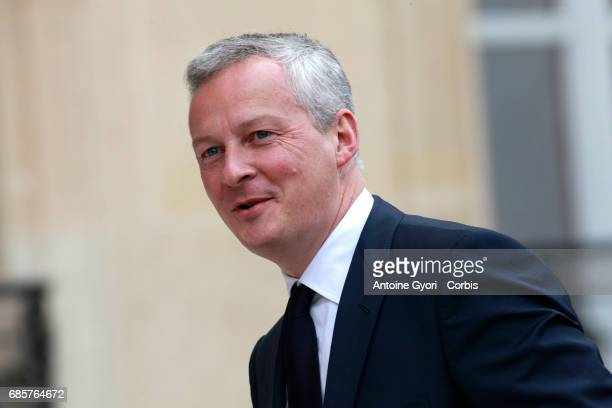 French minister of Economy Bruno Le Maire arrive at the Elysee presidential palace for the first weekly cabinet meeting on May 18 2017 in Paris...