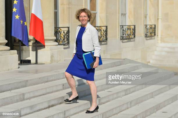 French Minister of Labor Muriel Penicaud arrives to the Elysee Palace for the weekly cabinet meeting with French President Emmanuel Macron on June 22...