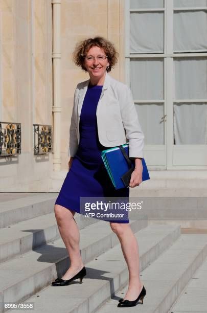 French Minister of Labour Muriel Penicaud arrives for the cabinet meeting on June 22 2017 at the Elysee Palace in Paris / AFP PHOTO / Thomas SAMSON