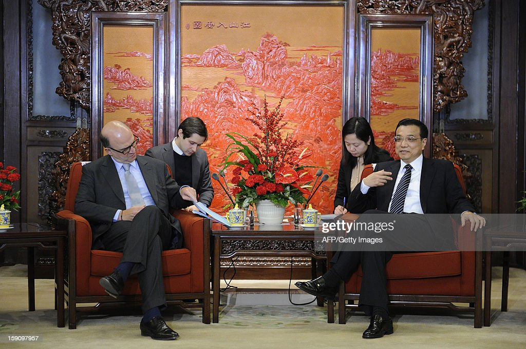 French Minister of the Economy Pierre Moscovici (front L) meets with Chinese Vice Premier Li Keqiang (front R) at the Zhongnanhai leaderships compound in Beijing on January 8, 2013. Moscovici started his a two day visit to China on January 7, 2013.