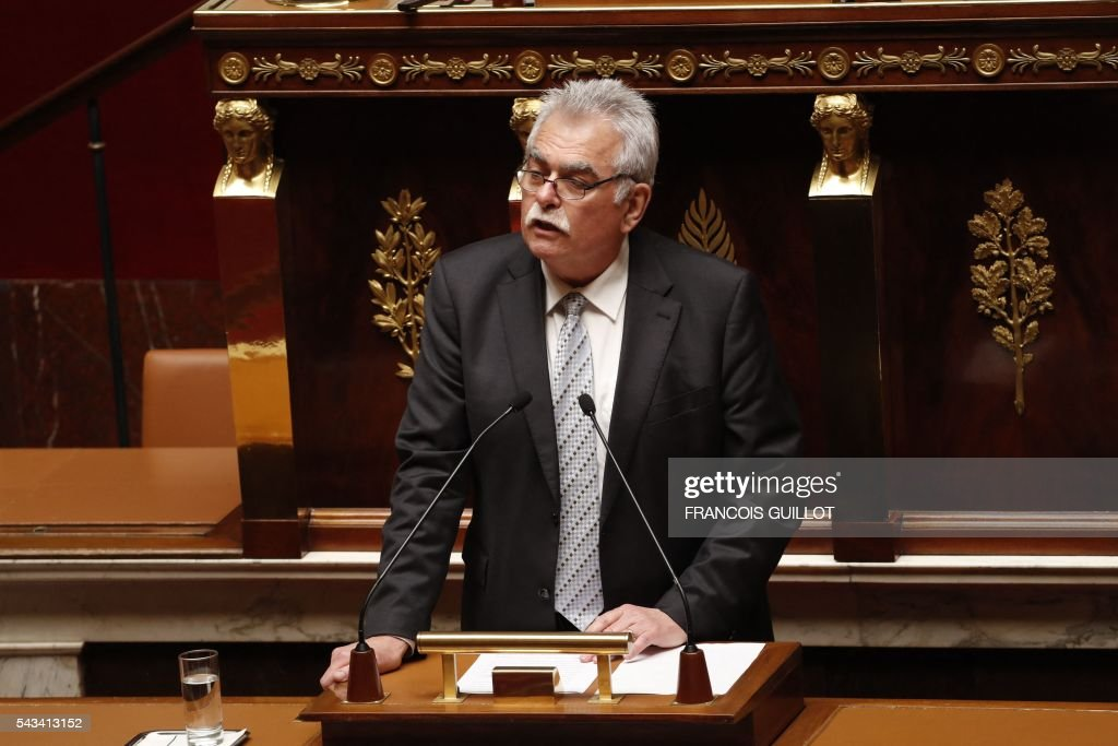 French MP and President of the Gauche democrate et republicaine parliamentary group Andre Chassaigne speaks during the post-Brexit debate on June 28, 2016 at the French National assembly in Paris. Paris stocks stot up more than three percent in afternoon trading on Tuesday, regaining a portion of their losses since Brexit, while investors kept a wary eye on an EU. / AFP / FRANCOIS